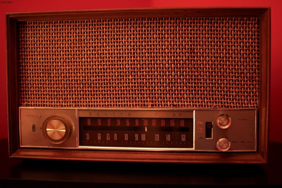 Family Radio © Andor
