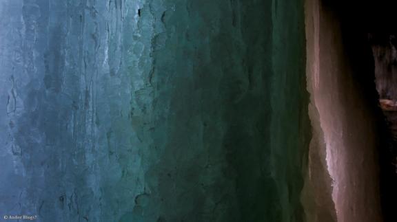Behind Minnehaha Falls © Andor (10)