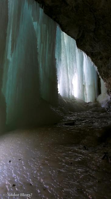 Behind Minnehaha Falls © Andor (12)