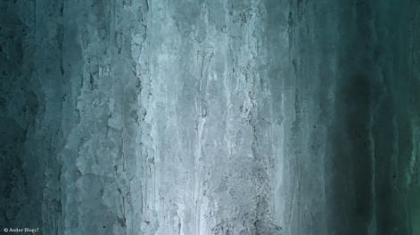 Behind Minnehaha Falls © Andor (6)